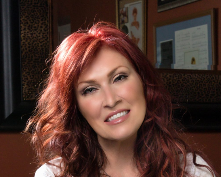 Country star Jo Dee Messina to perform at Virginia Theatre ...